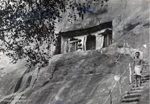 Yogi-cave-travancore-Rock-